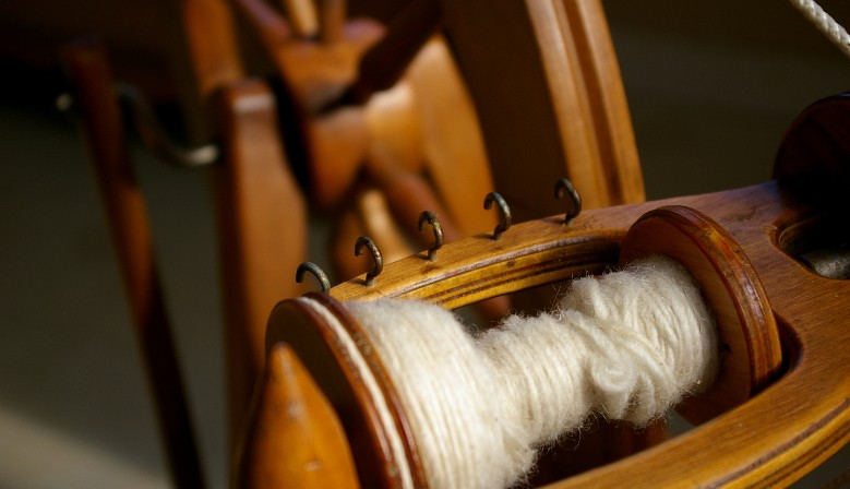 Watch our training video on turning raw wool fleece into hand-spun yarn
